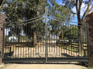 Arched Swing Gates Cranbourne South