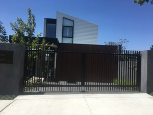 Double Swing Gate Mt Waverley