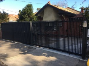 Fin style front fence and sliding gate, Elsternwick