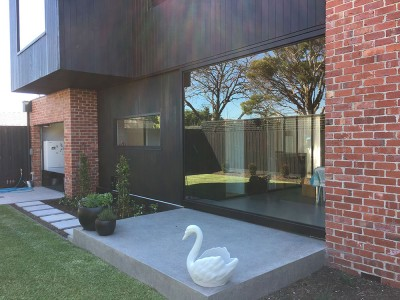 Automatic-sliding-Glass-sunroom-door--rackless-and-semi-trackless